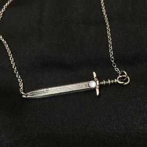 ⭐️ silver sword necklace
